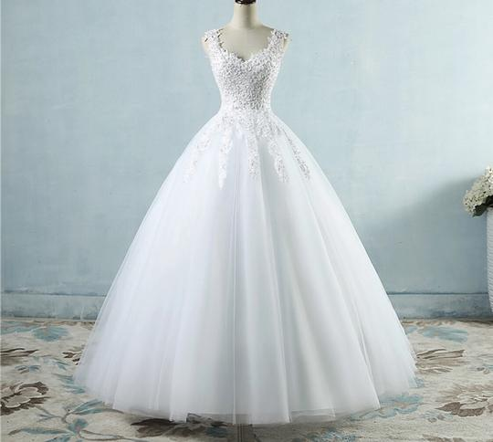 White Ivory Tulle with Pearls. 2-26w Or Customized Formal Wedding Dress Size OS (one size) Image 1