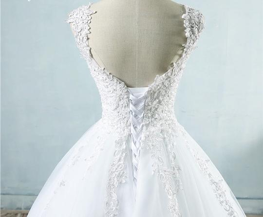 White Ivory Tulle with Pearls. 2-26w Or Customized Formal Wedding Dress Size OS (one size) Image 4