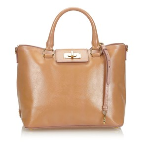 buy online b24e9 08896 Prada Bags on Sale - Up to 70% off at Tradesy