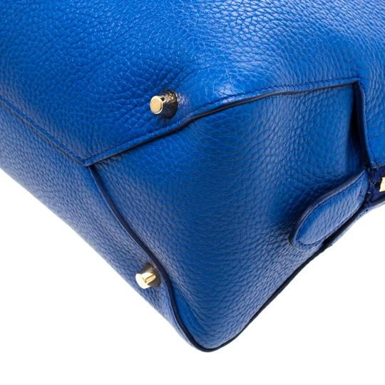 Burberry Leather Pebbled Satchel in Blue Image 9