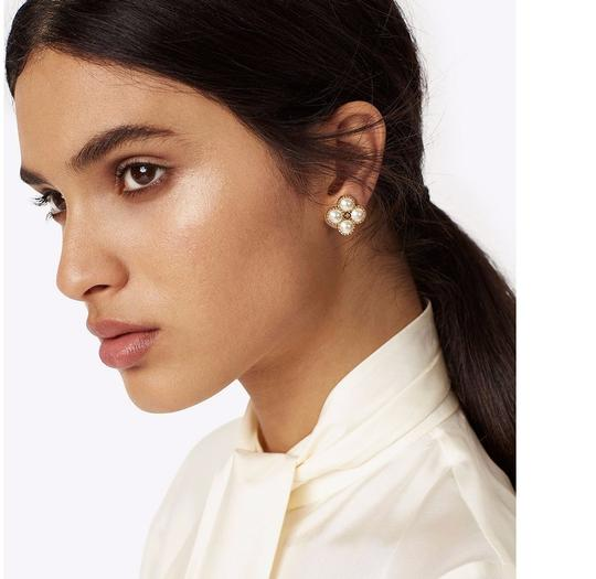 Tory Burch New Tory Burch Rope Clover Pearl Stud Earring Gold Image 5