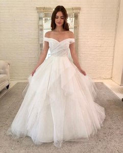 Allison Webb Ivory Tulle Augusta Gown Style 4815 Traditional Wedding Dress Size 8 (M)