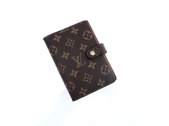 Preload https://img-static.tradesy.com/item/25890357/louis-vuitton-brown-agenda-pm-monogram-canvas-leather-notebook-planner-cover-0-0-540-540.jpg