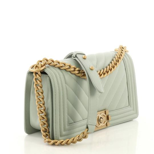 Chanel Leather Shoulder Bag Image 2