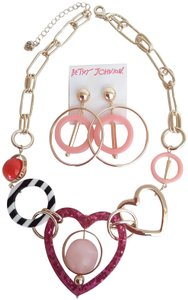 Betsey Johnson Betsey Johnson New Mismatch Necklace & Earrings