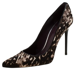 Stuart Weitzman Pointed Toe Brown Pumps