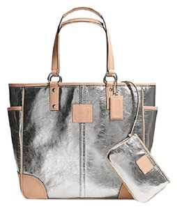 Coach Metro Leather And Wallet Set New Shoulder Tote in Metallic Silver/Natural/SV