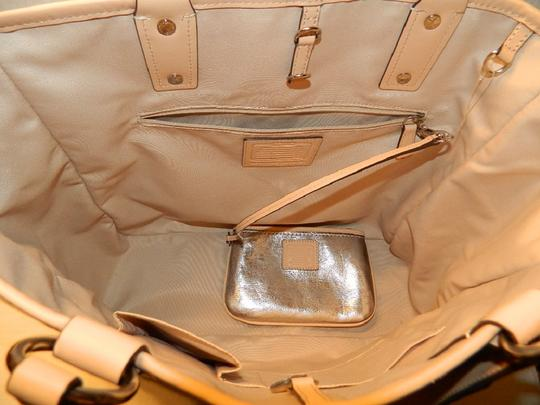 Coach Metro Leather And Wallet Set New Shoulder Tote in Metallic Silver/Natural/SV Image 1