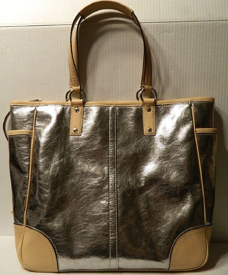 Coach Metro Leather And Wallet Set New Shoulder Tote in Metallic Silver/Natural/SV Image 10