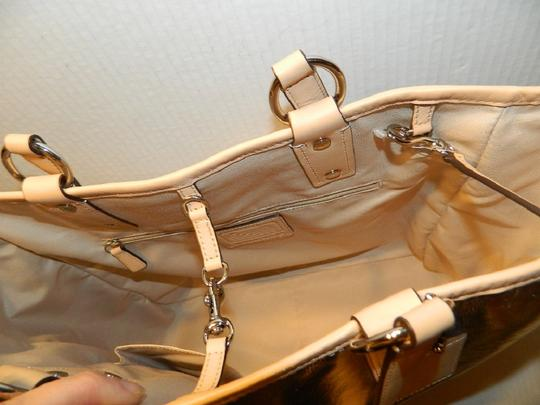 Coach Metro Leather And Wallet Set New Shoulder Tote in Metallic Silver/Natural/SV Image 11