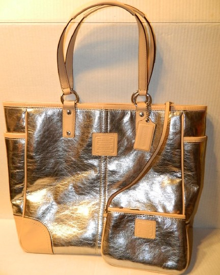 Coach Metro Leather And Wallet Set New Shoulder Tote in Metallic Silver/Natural/SV Image 2