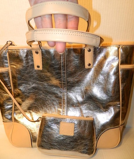 Coach Metro Leather And Wallet Set New Shoulder Tote in Metallic Silver/Natural/SV Image 8