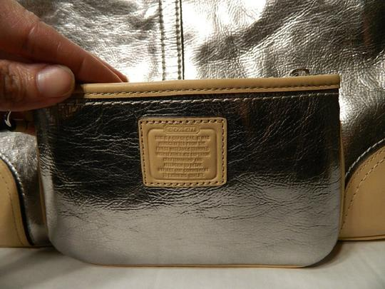 Coach Metro Leather And Wallet Set New Shoulder Tote in Metallic Silver/Natural/SV Image 9