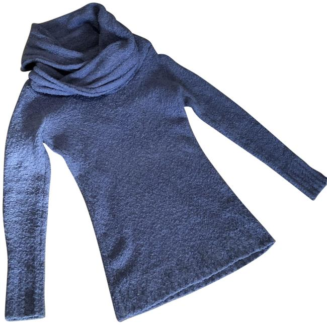 Item - Cowl Neck Fitted Purple Sweater