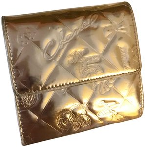 Chanel Rare Metallic Champagne Gold Patent Leather Compact Wallet