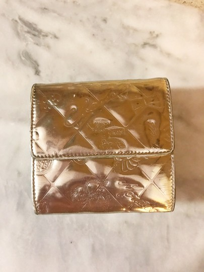 Chanel Rare Metallic Champagne Gold Patent Leather Compact Wallet Image 9