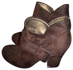 American Eagle Outfitters Suede Ankle Brown Boots