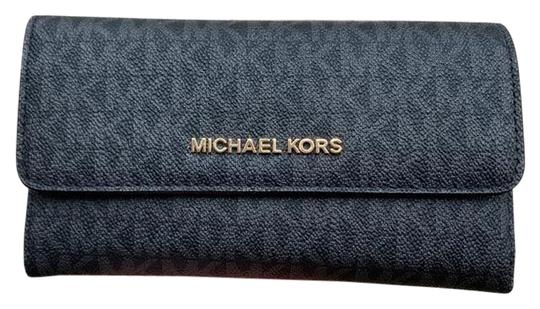 Preload https://img-static.tradesy.com/item/25897218/michael-kors-blackgold-jet-set-travel-large-trifold-mk-gold-wallet-0-1-540-540.jpg