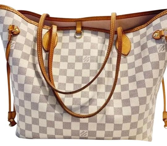 Preload https://img-static.tradesy.com/item/25897243/louis-vuitton-mm-damier-ar4186-azur-canvas-tote-0-1-540-540.jpg