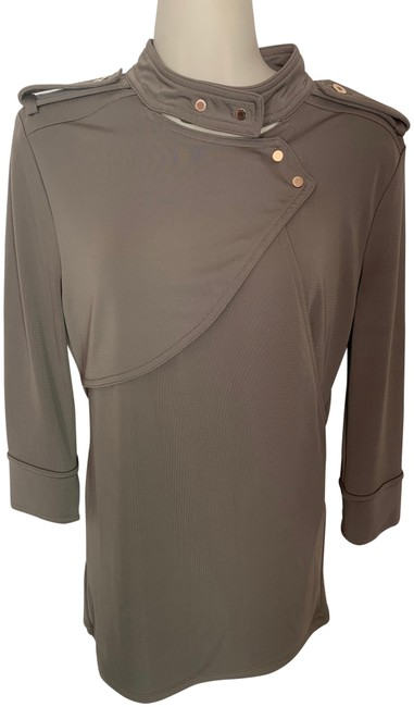 Preload https://img-static.tradesy.com/item/25897291/ann-taylor-taupe-knit-blouse-size-4-s-0-1-650-650.jpg