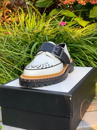 Burberry Leather white and black Flats Image 7