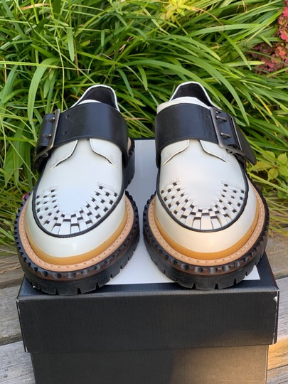 Burberry Leather white and black Flats Image 8