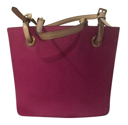 Preload https://img-static.tradesy.com/item/25897470/michael-michael-kors-bucket-handbag-pink-leather-tote-0-1-540-540.jpg