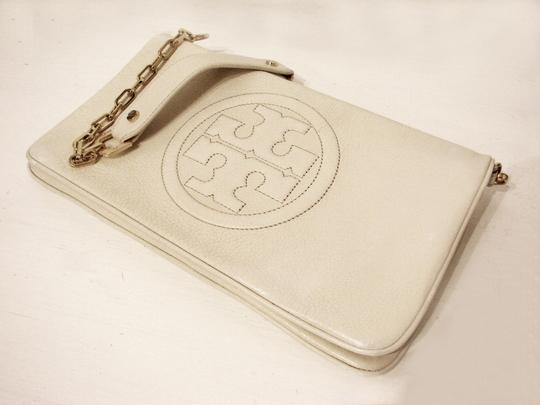 Tory Burch Off White Clutch Image 4