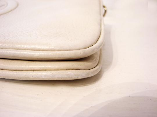 Tory Burch Off White Clutch Image 7