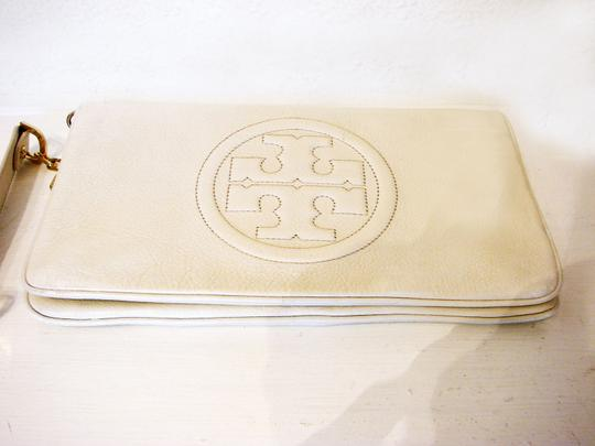 Tory Burch Off White Clutch Image 9