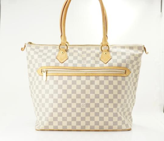 Louis Vuitton Tote in Tan Image 1