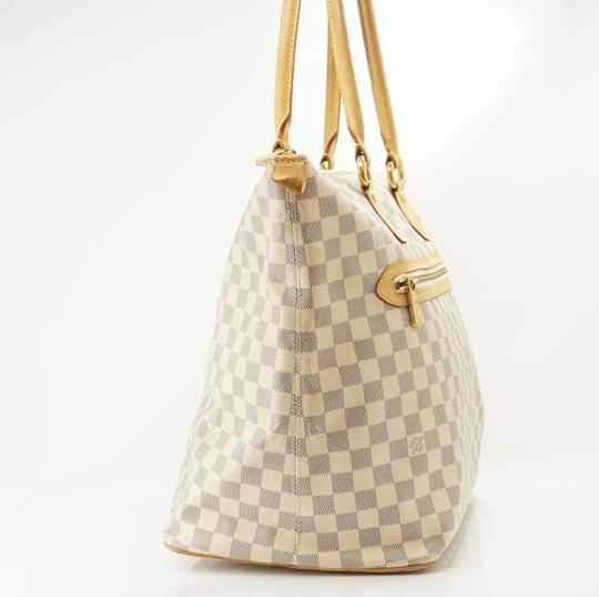 Louis Vuitton Tote in Tan Image 2