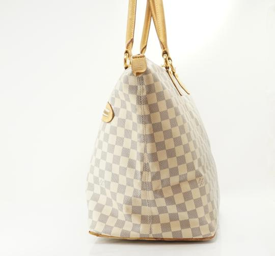 Louis Vuitton Tote in Tan Image 7