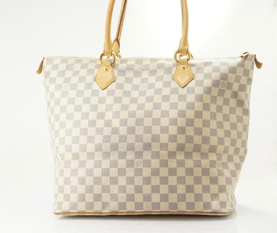 Louis Vuitton Tote in Tan Image 9
