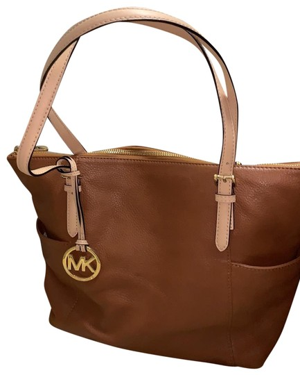 Preload https://img-static.tradesy.com/item/25897666/michael-michael-kors-brown-tote-0-1-540-540.jpg
