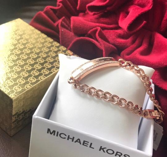 MICHAEL Michael Kors NEW WITH TAGS 100% AUTHENTIC MICHAEL KORS Women's MK Logo Plaque Rose Gold Tone Stainless Steel Chain Bracelet Image 4