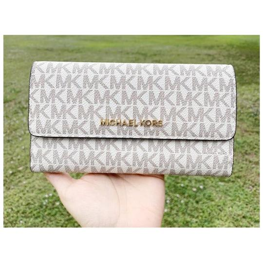 Michael Kors Womens Wallet Tote in Vanilla Image 2