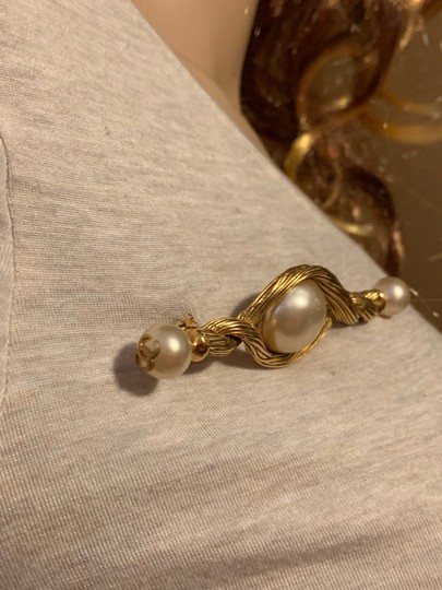 Chanel Chanel vintage cc logo gold plated pearl pin brooch Image 6