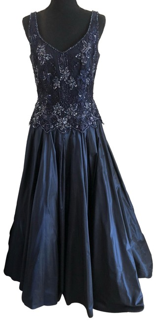 Item - Navy Gown Long Formal Dress Size 6 (S)
