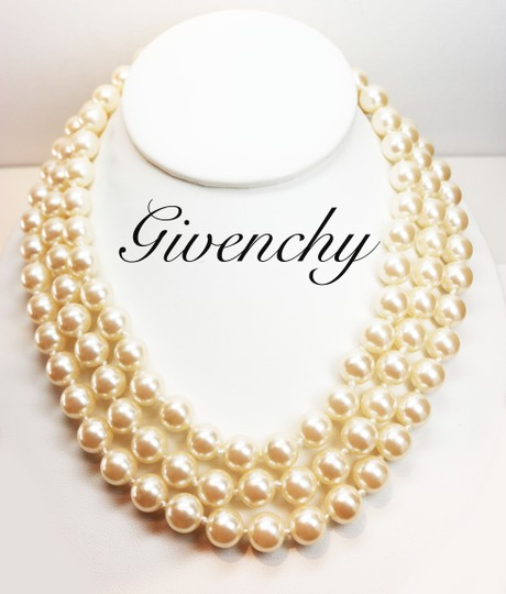 Givenchy Givenchy Triple Strand White Pearl Choker with Logo Clasp Image 4
