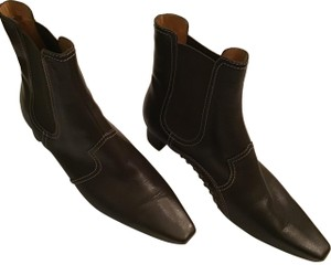 Tod's Pebbled Brown leather Boots