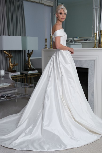 Item - Natural White Silk Legends Off The Shoulder Ball Gown Style #l9155 Formal Wedding Dress Size 0 (XS)