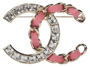 Chanel Chanel 2018 Brooch CC Pin Lambskin Leather Crystal Chain Pink Gold Ton