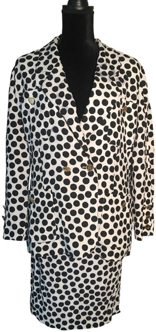 Item - White / Black Polka Dots With Skirt Suit Size 6 (S)
