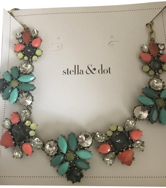 Item - Multicolor N438g Elodie Necklace