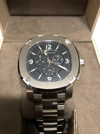 Preload https://img-static.tradesy.com/item/25903284/burberry-silver-the-britain-chronograph-watch-0-1-540-540.jpg