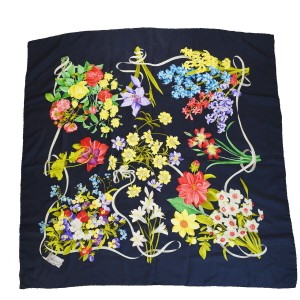 Gucci GUCCI Logo Flower Scarf 100% Silk Black Accessory Italy