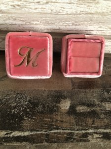 Pink The Victoire Classic Petite Ring Box