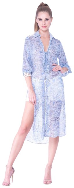 Item - Light Blue and Cream Tunic Size 6 (S)