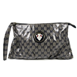 Gucci Wristlet in Hysteria Tan - Navy